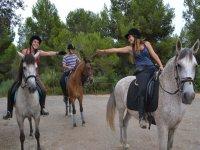 Amazonas en la hipica de Tarragona
