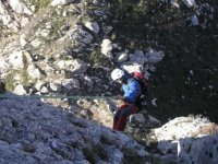 Impara a rappel sulla montagna