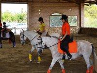 Aprendiendo equitacion en El Catllar