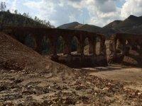 Roman aqueduct ruins