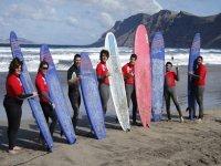 Con las tablas de surfing