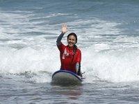 女孩们是冲浪者