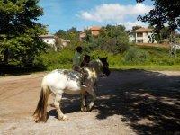 Saliendo a caballo desde Viveda