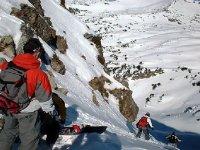 新鲜的降雪在自由式滑雪惊险刺激的标志Gaiur