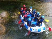 Balsa de rafting en el Cabriel