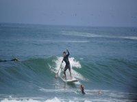 rema sobre la ola