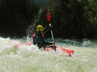 a traves de los rapidos del rio