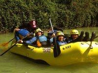 rafting con gli amici
