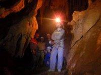 Observando la cueva