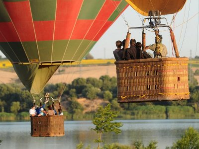 气球飞行Arcos de la Frontera独家夫妇