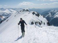 Probando la nieve de las cumbres