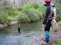 河上的Zipline