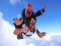 Tandem flight and parachute