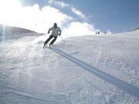 在Cerler -999练习滑雪 - 练习滑雪和单板滑雪