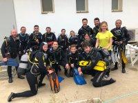 学校潜水学生