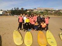 Surf en el campamento para jovenes