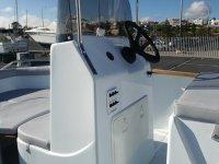 在Huelva的船只控制
