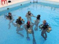 bautismo en una piscina
