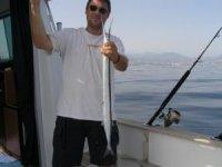 度过一个愉快的一天放松在地中海