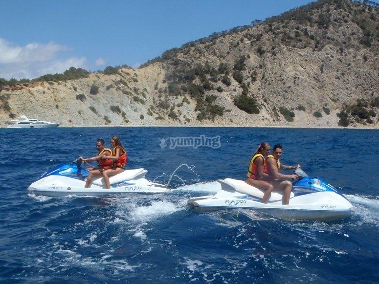 Alquiler de moto de agua en Ibiza