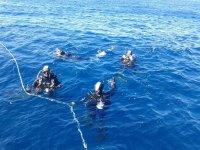 Submarinistas en aguas mediterraneas