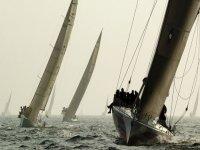 Participa en una regata