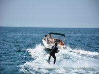 乘船辅助的滑水板