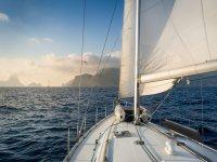 从布拉瓦海岸(Costa Brava)航行