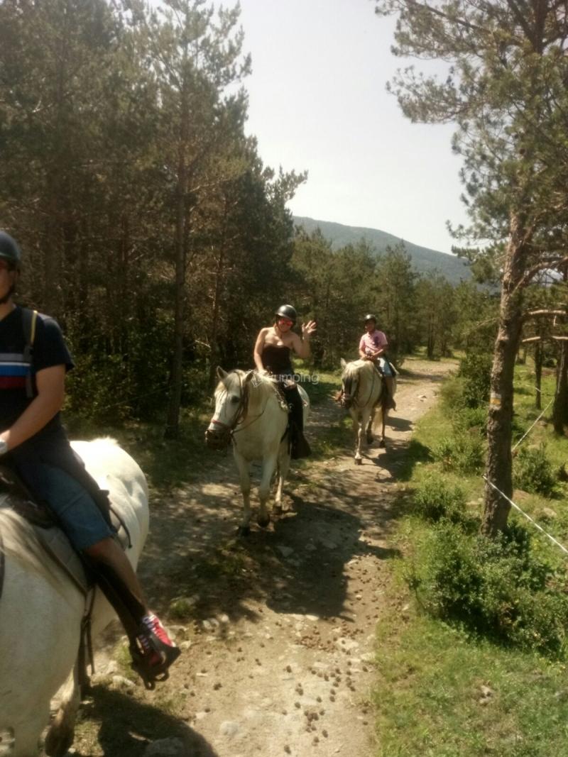res_o-36776-rutas-a-caballo_de_vanesa_14977995224061.jpg