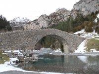 Puente en Otal