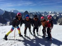 与孩子一起滑雪的日子