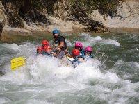 En las aguas del rapido del rio