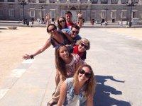 Divirtiendonos delante del Palacio Real