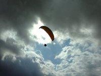 Toca el cielo en paramotor