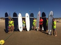 Alumnos de surf en Isla Cristina