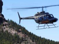 Helicoptero sobre las cimas canarias