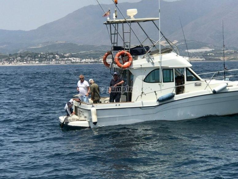 Battuta di pesca in barca a Malaga