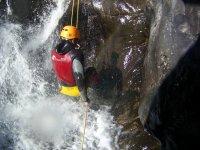 Bajando la cascada en Calzadillas