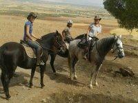 De ruta con sombrero vaquero