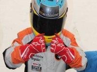 Joven piloto de kart