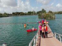 Preparados para embarcar en el kayak