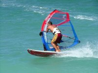 Chico practicando windsurf.JPG