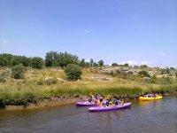Piraguas para jovenes en el rio zamorano