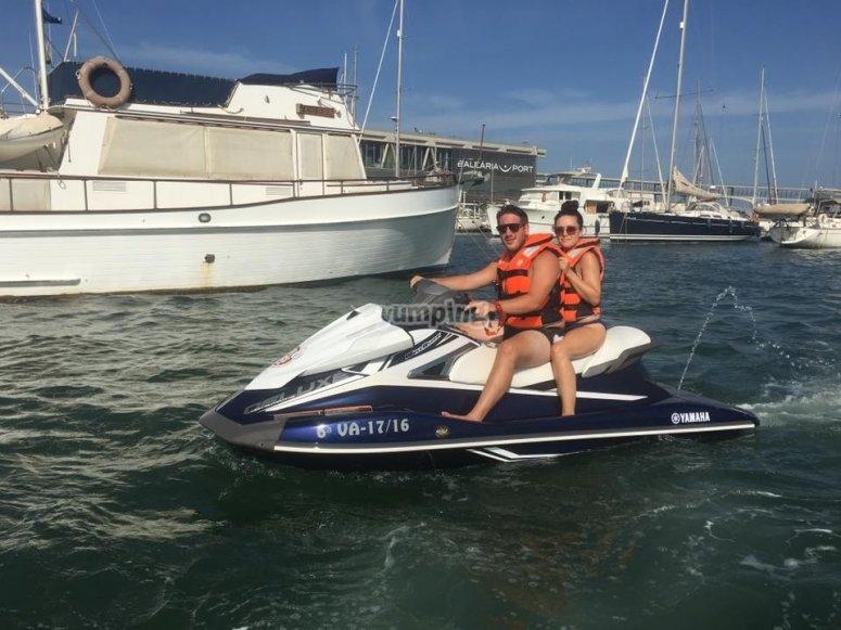 Montar en moto de agua en Alicante