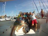 和朋友一起在Sancti Petri钓鱼