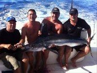 天和朋友一起在加的斯钓鱼