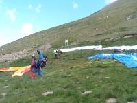 Preparing the paraglide flight in Castejon de Sos