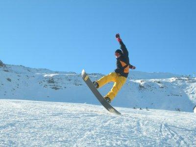 Escuela Valle de Astun Snowboard