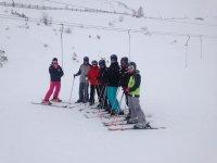 Amigos esquiando