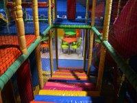Parque de juego con tres pisos